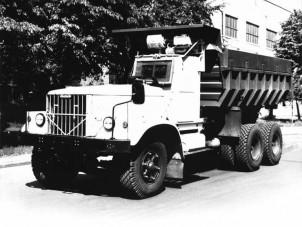 Így készültek Csernobil poklára a speciális KRAZ teherautók