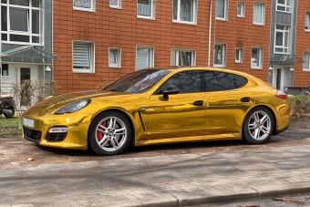 Ugrott a forgalmija a Porsche-tulajnak, mutatjuk miért