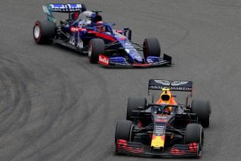 F1: Négy autó is új motort kap Bakuban