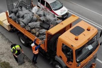 Ezer tonna mocskot szedtek össze a magyar utak mellől
