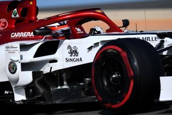 F1: Räikkönen sört vitt az Alfa Romeóhoz