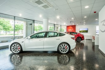 Megnyílt a Tesla-szalon Budapesten