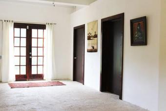 Meglepő dolgot rejtenek a falak a férfi házában
