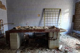Így néz ki ma Csernobil elhagyott hullaháza