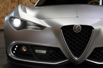 Vadabb ruhát kapott egy Alfa Romeo 4C