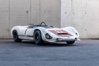 Hegyi felfutón vetették be ezt a pillekönnyű Porsche versenygépet