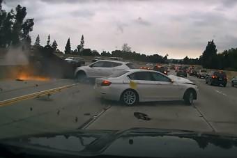 Ilyen egy kemény ráfutásos baleset az autópályán