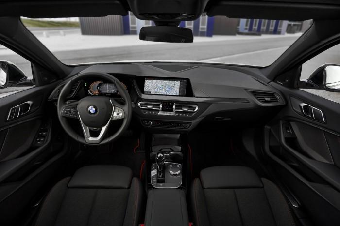 Már a legkisebb BMW is elöl hajt 10