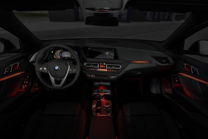 Már a legkisebb BMW is elöl hajt 11