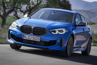 Már a legkisebb BMW is elöl hajt