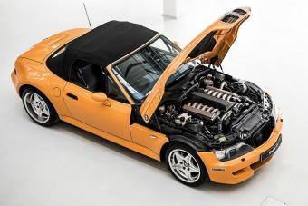 Cipőkanállal beletömték a V12-est a Z3-as BMW orrába
