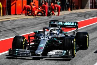 F1: Az élen a Merci, összetört az Alfa Romeo