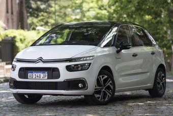 Vaklárma volt a hír, marad a Citroën buszlimuzinja