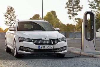 Megjött az első plug-in hibrid Škoda!