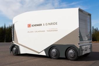 Önvezető teherautó tesztje kezdődik Svédországban