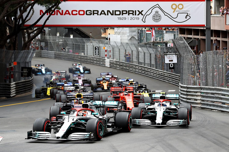 F1: Hamilton nyerte az őrületes Monacói Nagydíjat 1