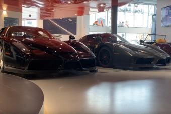 Melyik autót vinnéd haza ebből az álomkereskedésből? Csak egyet választhatsz!