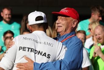 F1: Laudának köszönheti a fizetését Hamilton
