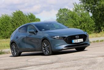 Nincs még egy ilyen szoborszerű autó, mint az új Mazda3