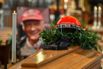 F1: Ezreket várnak Lauda ravatalához