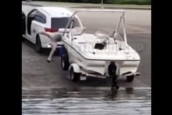 Csónakot akart vízre tenni, de majdnem megölte magát