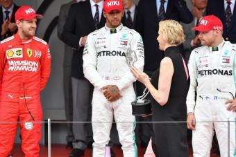 Hamilton: Niki segített!