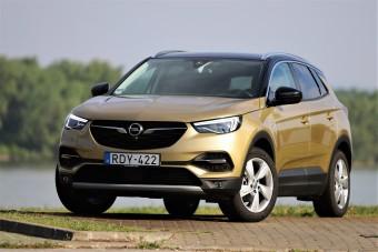 Csak jókat örökölt a szülőktől - Opel Grandland X teszt