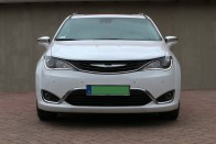 Új névvel próbálkozik a Chrysler egyterűje 3