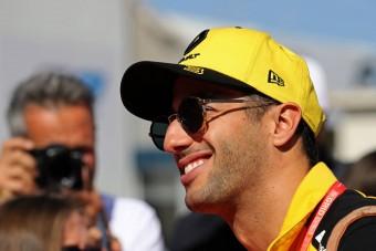 F1: Ricciardo direkt tökön csapta ellenfelét - videó
