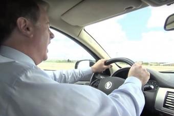 Így küzdj az álmosság ellen, ha vezetsz