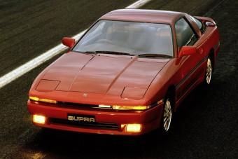 Öreg sportautóihoz gyárt új alkatrészeket a Toyota