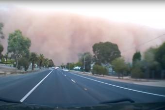 Még a videó is félelmetes, amin az ausztrál homokvihar látható