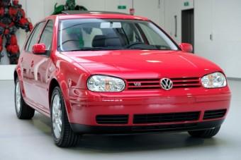 5,7 milliót kérnek ezért a 18 éves Volkswagen Golfért