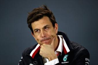 F1: A Merci-főnök tart a villámgyors Ferraritól