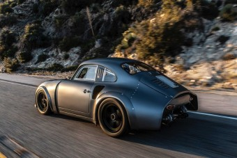 Súlyosan menő ez a 60 éves Porsche