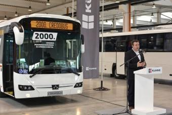 Már kétezer busznál jár ez a magyar buszgyár