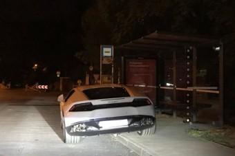 Lamborghinivel mutattak be világbajnok parkolást Budán