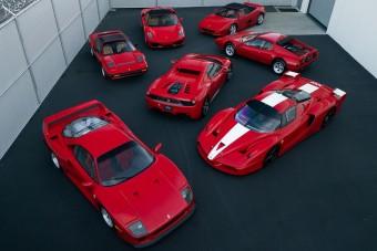 Elképesztően szépen tartott Ferrari-gyűjtemény kerül kalapács alá