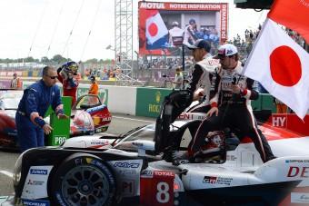 F1: Alonso nagy mázlival nyert újra Le Mans-t