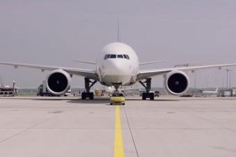Óriási repülőt mozgat az apró, villanyos MINI