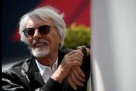 F1: Feketére festették a Mercedest 1