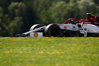 F1: Megbüntették az Alfa Romeót a szabadedzések után