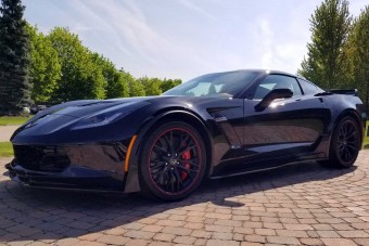 Méregdrágán kelt el az utolsó Corvette, ami az orrában hordja a motorját
