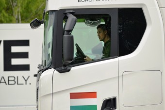 Ilyen körülmények között dolgozhat ma egy kamionsofőr