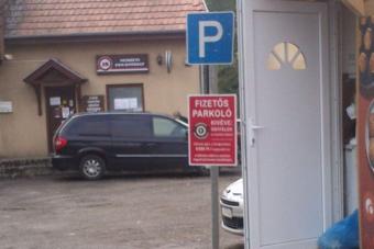 Ez az ország legdrágább parkolója: 6000/óra
