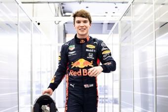 F1: Ennyi volt, a Red Bull ejtette a pilótát