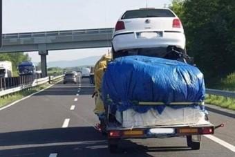 Újabb veszélyes vontatmány bukkant fel az M7-esen
