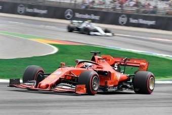 F1: A Mercedesnél a Ferrari feltámadásáért imádkoznak