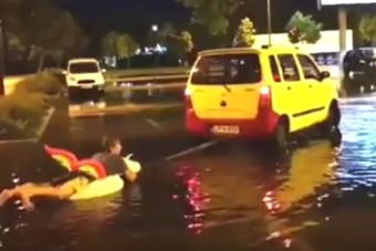 Vihar után elszabadult az őrület egy áruház parkolójában