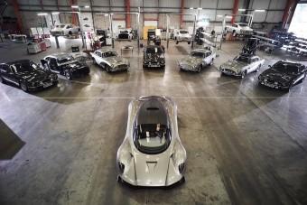 Rengeteg Aston Martin szerepel majd az új James Bond-filmben